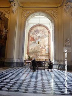 Nave lateral sao joao latrao catedral roma - São João em Latrão