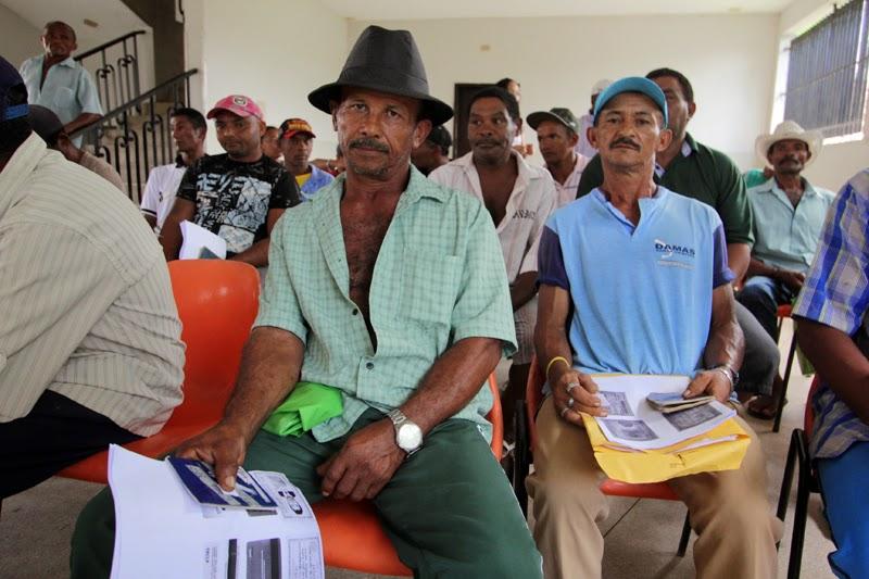 e765ed226523b Mais de quatro mil trabalhadores já se cadastraram no Chapéu de Palha da  Zona Canavieira nos primeiros dois dias de inscrição nos 25 municípios da  Mata ...