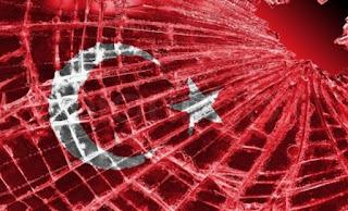 Με σπασμένα φρένα τρέχει το τρένο του Ερντογάν