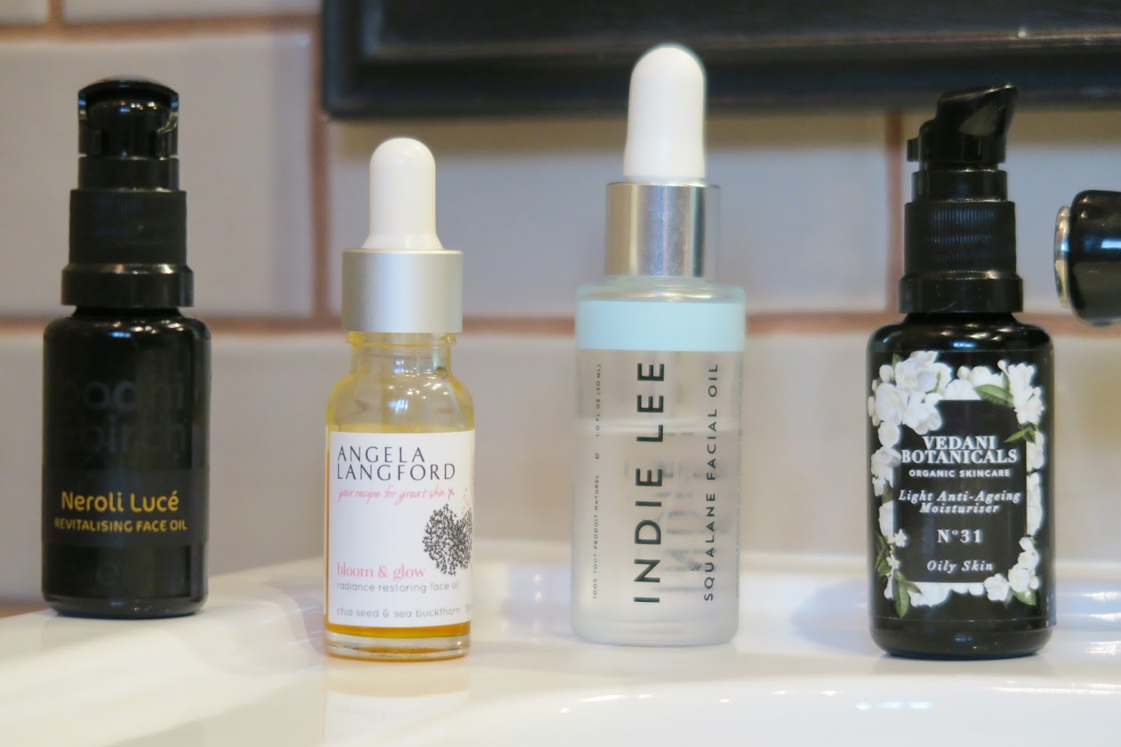 Natural organic skincare for oily blemish prone skin | Amber's Beauty Talk | Facial oils