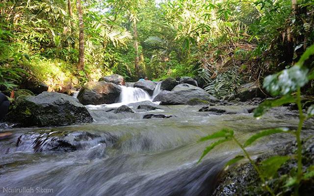 Aliran Kali Adem yang mengalir melewati Desa Wisata Pancoh, Sleman