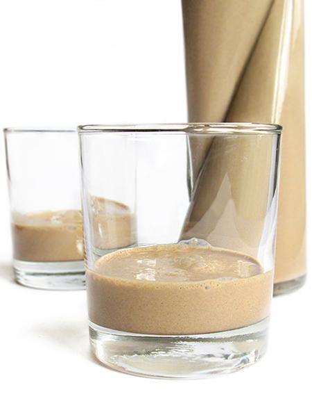 Homemade creamy coffee liqueur tinascookings.blogspot.com