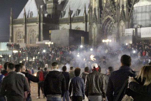 En Colonia (Alemania), una multitud de norteafricanos y árabes abusó sexualmente de decenas de mujeres / EFE