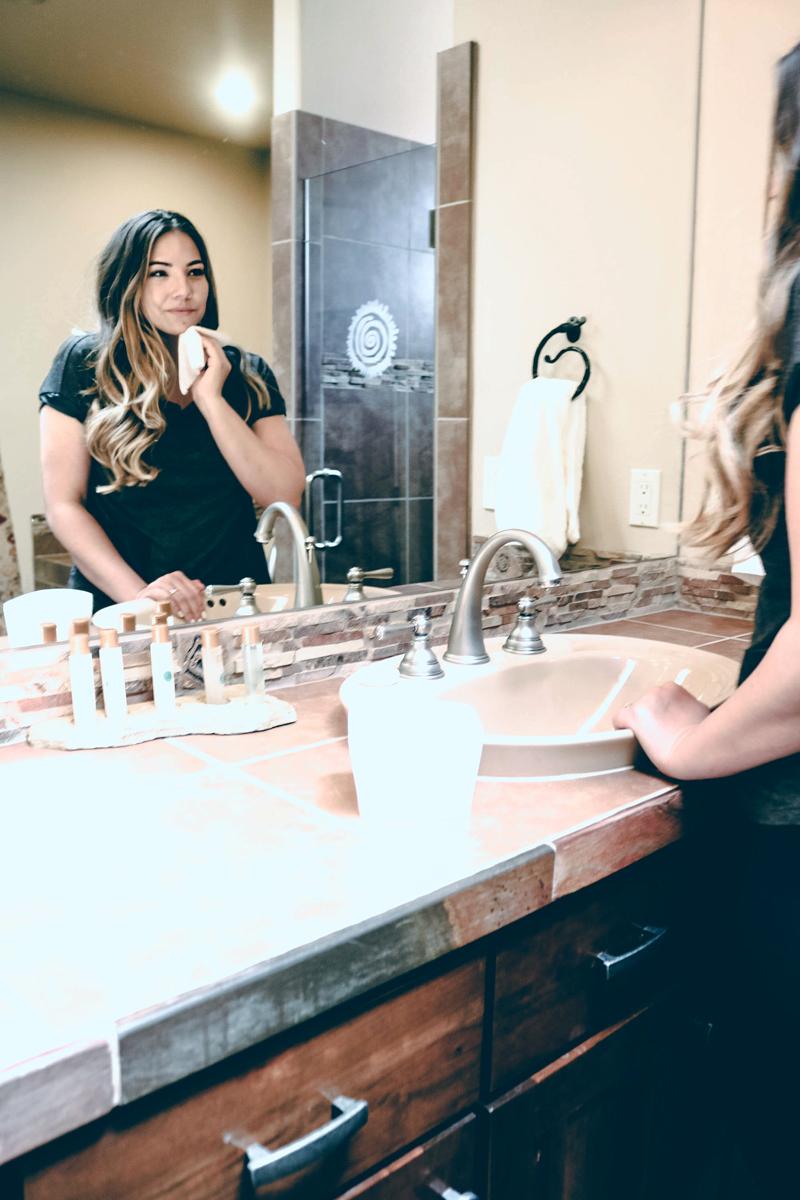 wash your face on the go, keep skin moisturized, olay skincare