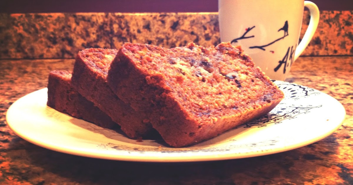 Low Fat Eggless Cake Recipes: Eatomaniac :): Carrot Cake / Bread