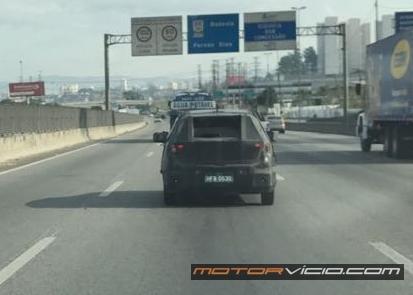 Flagra: Fiat X6H roda camuflado em São Paulo