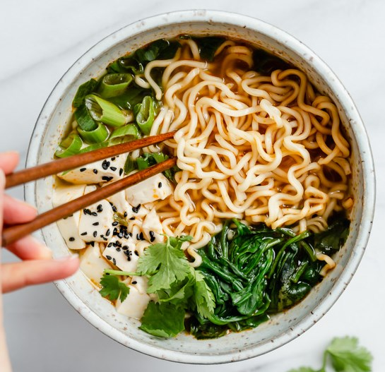 QUICK & EASY VEGAN RAMEN #veganrecipe #veggies