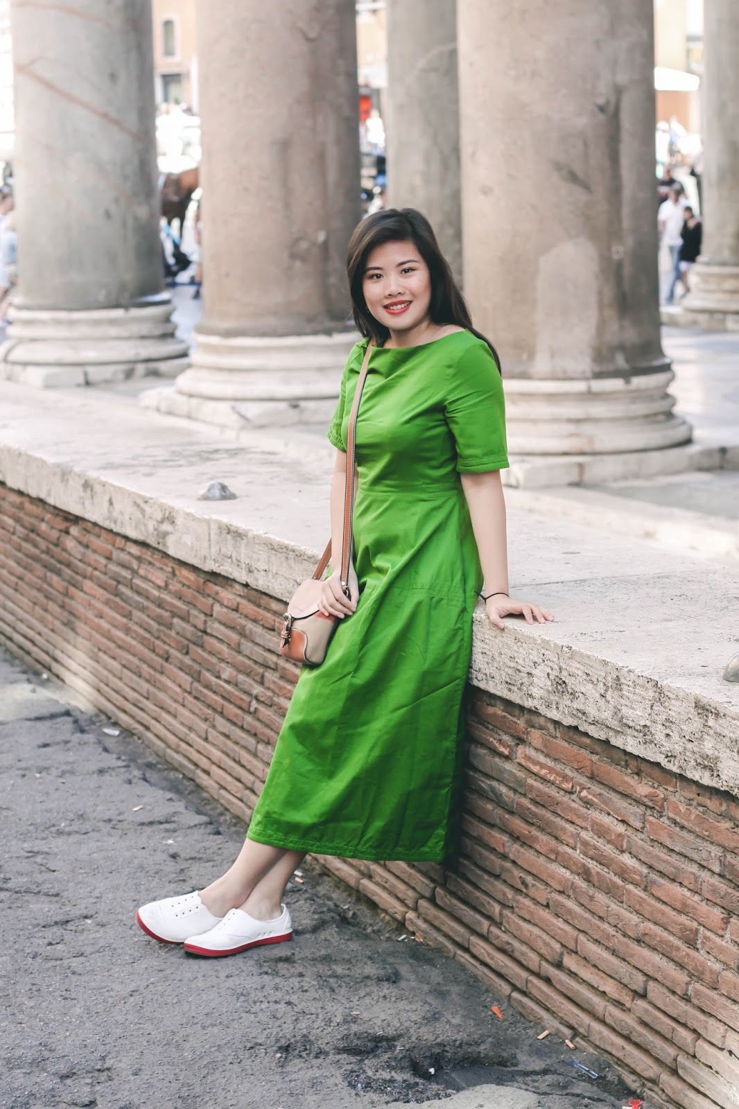singapore blogger look book street style photographer cos italy summer holiday europe outfit fashion burberry