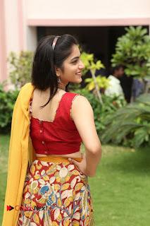 Actress Punarnavi Bhupalam Pictures at Yentha Pani Chesave Sireesha Movie Logo Launch  0195.JPG