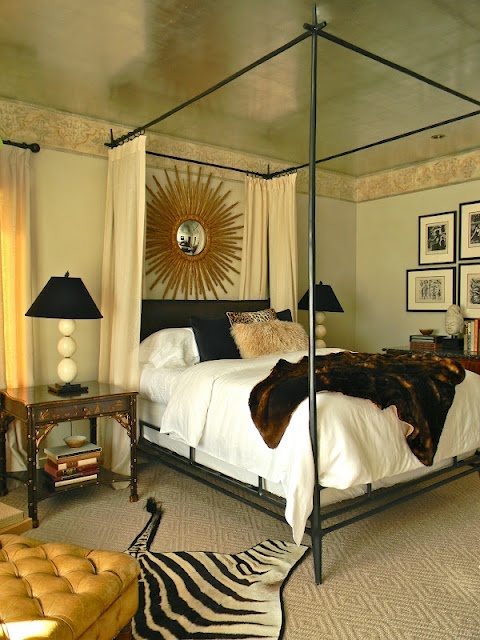 Ceiling Canopy Bedroom: Dg: Making A Statement In The Bedroom