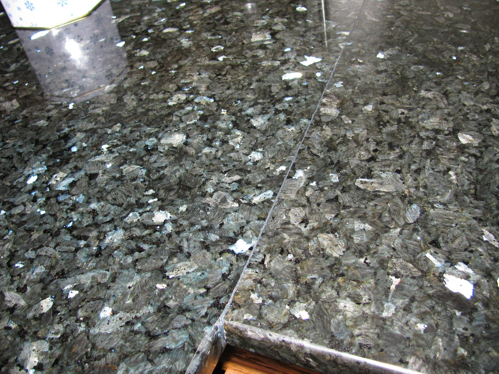 Tammy's Craft Emporium: Emerald Pearl granite countertop ...
