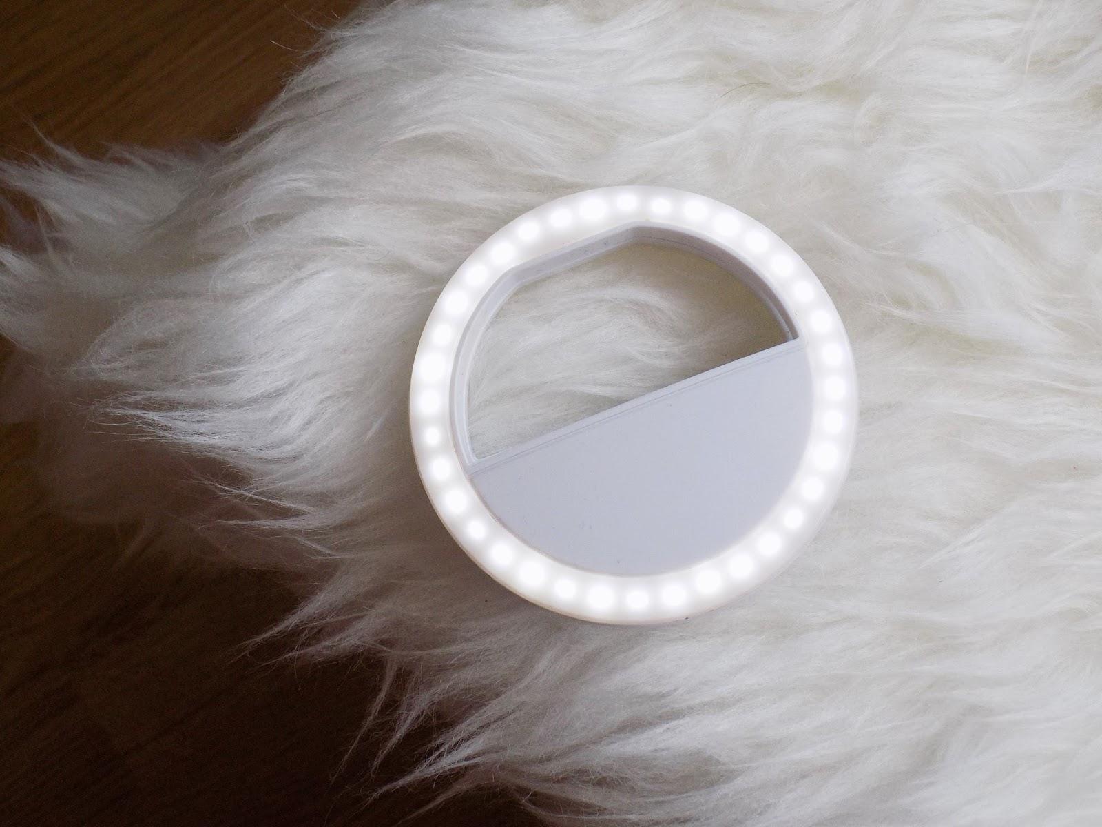 Selfie Ring- ile kosztuje, czy warto kupić? Inne zastosowanie tego gadżetu.