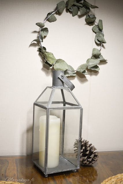 eucalyptus sisustus skandinaavinen talvi syksy joulu lyhty kynttilä kranssi diy