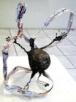 """Fábio Purper Machado, """"Filactério"""", exposição """"Micronarrativas de Papel"""", esculturas-HQ e HQs-escultura, 2012."""