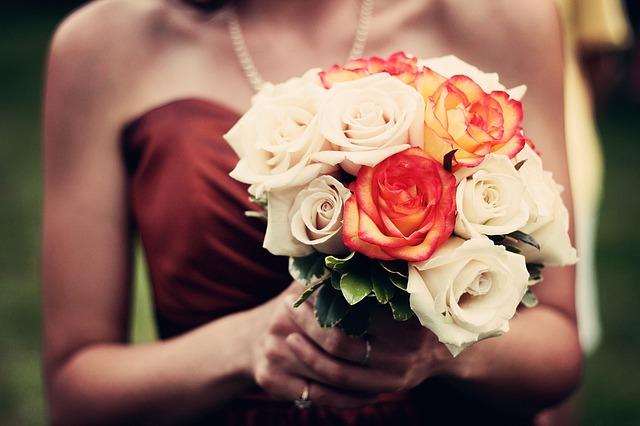 hoa cưới cô dâu giá bao nhiêu