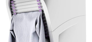Ironing and folding clothes device
