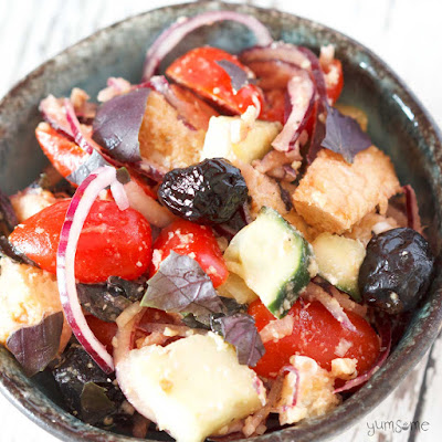 An easy Tuscan bread salad quick to prepare