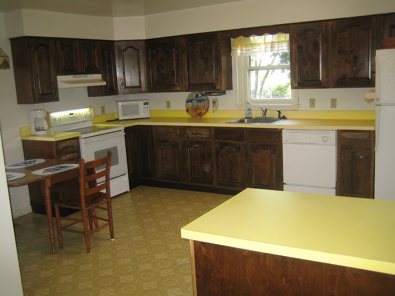 Do White Kitchen Cabinets Yellow Over Time