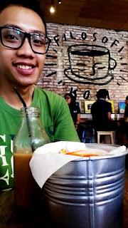 Blogger Eksis di Kafe Filosofi Kopi