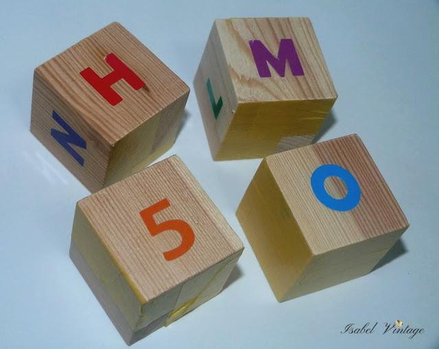 cubos-madera-letras-numeros