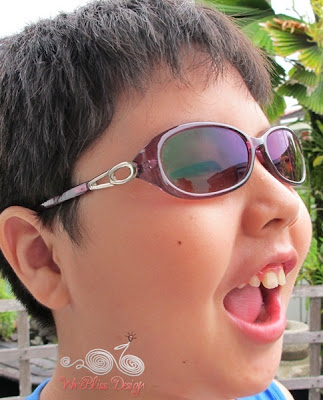 William with firmoo sunglasses