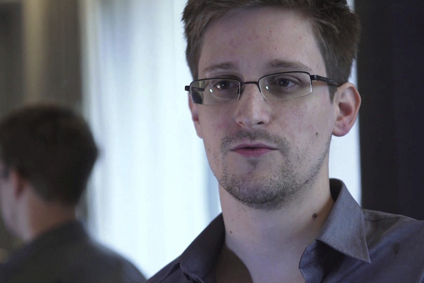 Snowden durante una entrevista