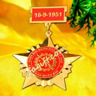 Bán kỷ niệm chương cài áo, xưởng làm kỷ niệm chương bằng đồng, kỷ niệm chương đẹp