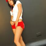 Andrea Rincon, Selena Spice Galeria 16: Linda Gorra Roja, Camiseta Blanca, Mini Tanga Roja Tipo Hilo Dental Foto 18