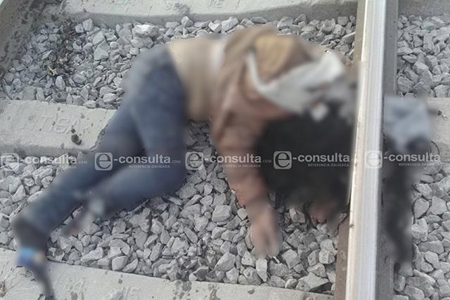 Sobre las vías del tren hallan cadáver de mujer en Mazapiltepec