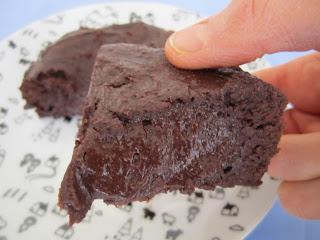 Part du gâteau au chocolat sans gluten et sans lactose de Philippe Conticini