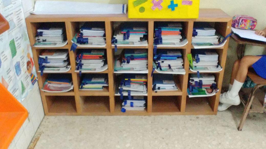 Mueble para libros infantil expositor de libros blog de for Muebles para libros modernos
