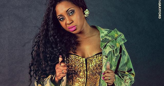 """A cantora moçambicana Dama do Bling lança a música """"Go Down"""""""