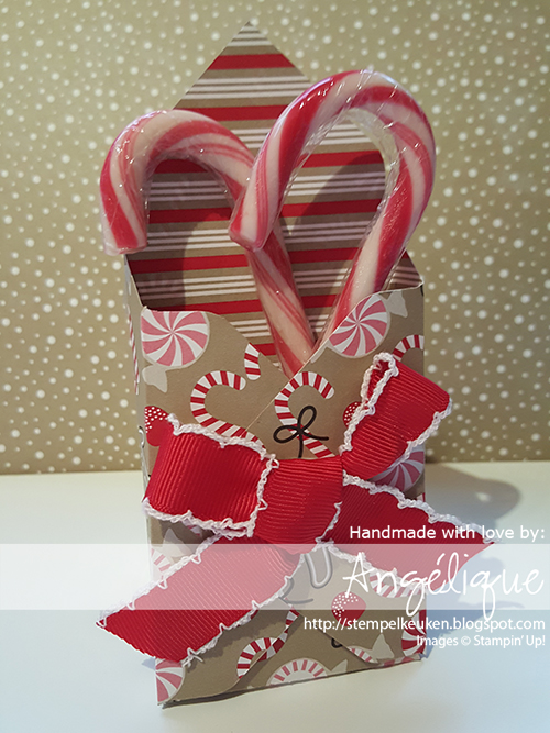 http://stempelkeuken.blogspot.com/2016/09/bloghop-herfstwintercatalogus.html Stempelkeuken, Candy Cane Lane, Candy Cane Christmas, Cookie Cutter Christmas, Real Red, Early Espresso, Crumb Cake, Baker's Twine, Ribbon, Crumb Cake Note Cards, Note Cards, Whisper White, Stampin' up!, Christmas