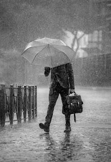 sebuah esai tentang hujan [www.catatanadiwriter.blogspot.com]