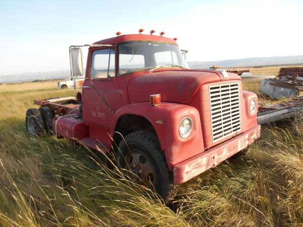 International Harvester Loadstar 1600 4x4 truck
