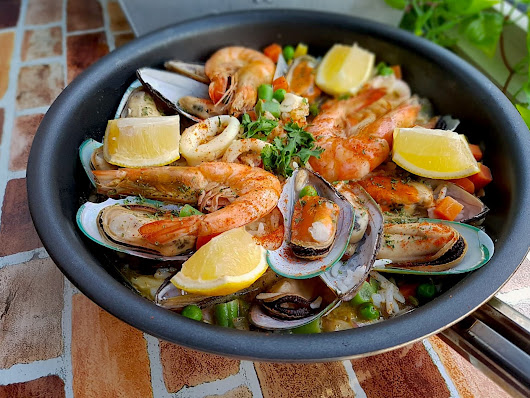 Quick & Easy Seafood Paella 简易版海鲜焗饭