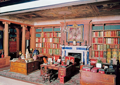 The Queen's Dolls' House Library