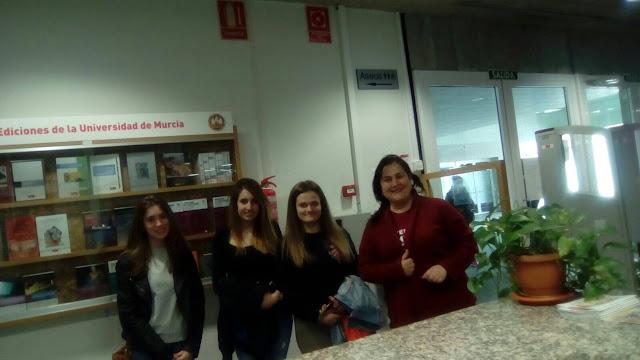 Hoy hemos recibido a nuevos alumnos en las visitas guiadas a la UMU.