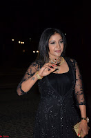 Sakshi Agarwal looks stunning in all black gown at 64th Jio Filmfare Awards South ~  Exclusive 087.JPG