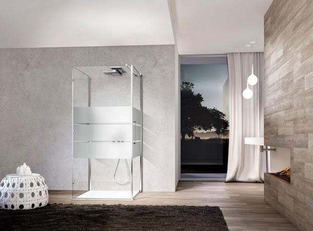 Duschkabin-glas-modern-Design-mit-Edelstahl-rahmen-in-quadratische-form-1024x755
