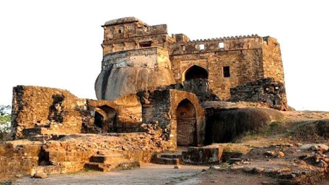 बरसों पुराने इस किले में सोने की ईंट की तलाश में आते हैं लोग! - newsonfloor.com