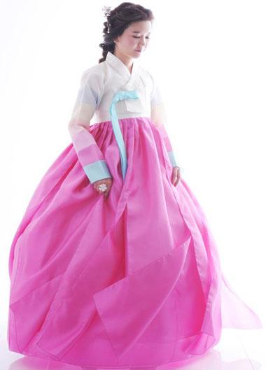 The traditional dressing of korean women