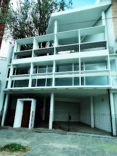 Fachada da Casa Curutchet, La Plata, Argentina