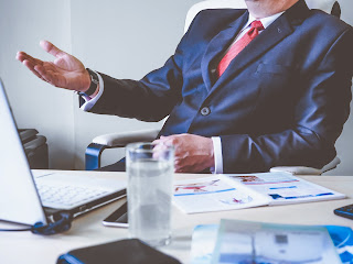 Body Language Mistakes That Are To Be Avoided At Workplace, body language, body language mistakes, forabettermeandyou, best body language
