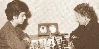 Partida de ajedrez Maria Lluïsa Puget – Júlia Maldonado en 1964