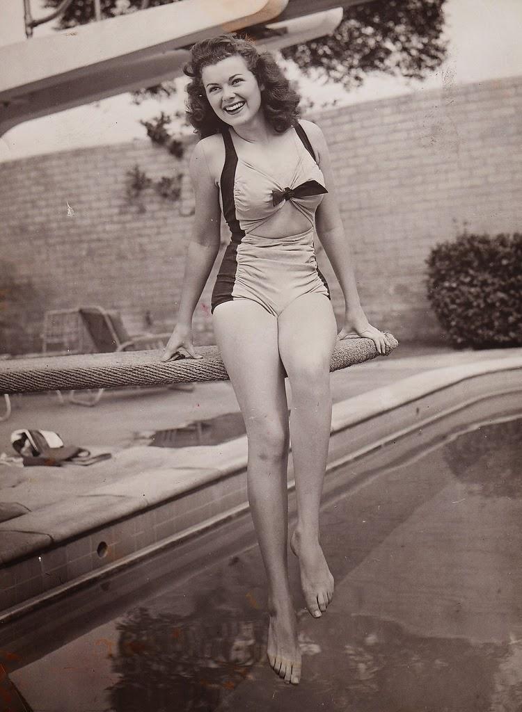Barbara Hale Nude Pics 21