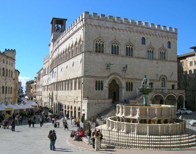 perugia-piazza-iv-novembre-fontana-maggiore-poracci-in-viaggio