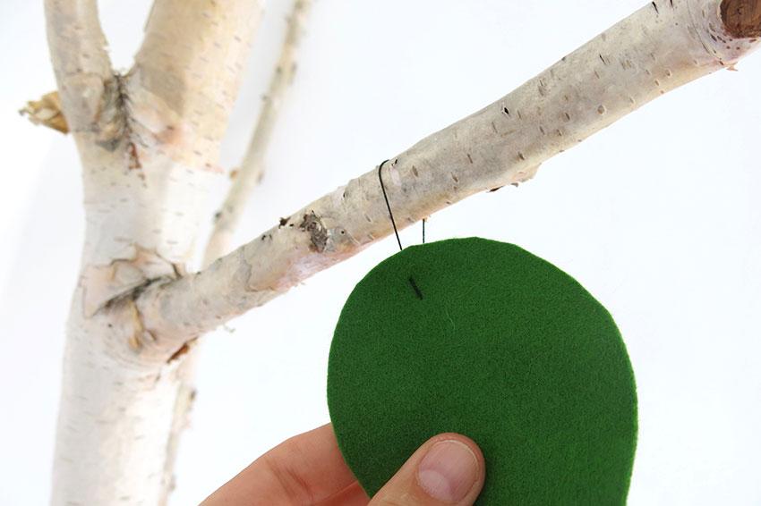 Kids room & birch tree felt leafs DIY