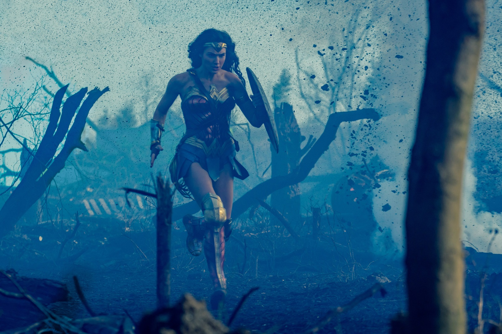 Wonder Woman, Gal Gadot, Chris Pine, Patty Jenkins, DC Comics, Warner Bros., Movie Review, superhero, action movie, Rawlins GLAM,
