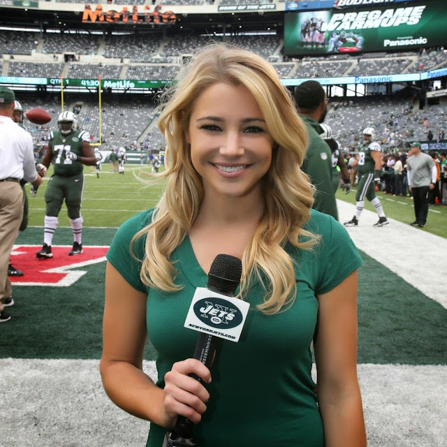 Former Oregon Cheerleader, NY Jets Reporter Amanda